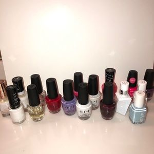 Bundle of OPI and Essie plus a few others!